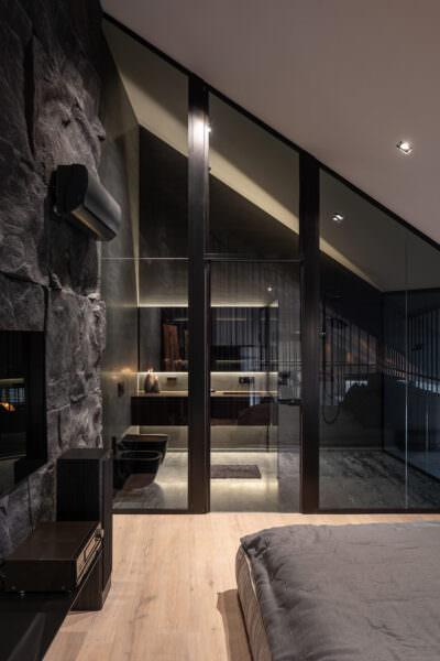 glass-wall-bathroom-1