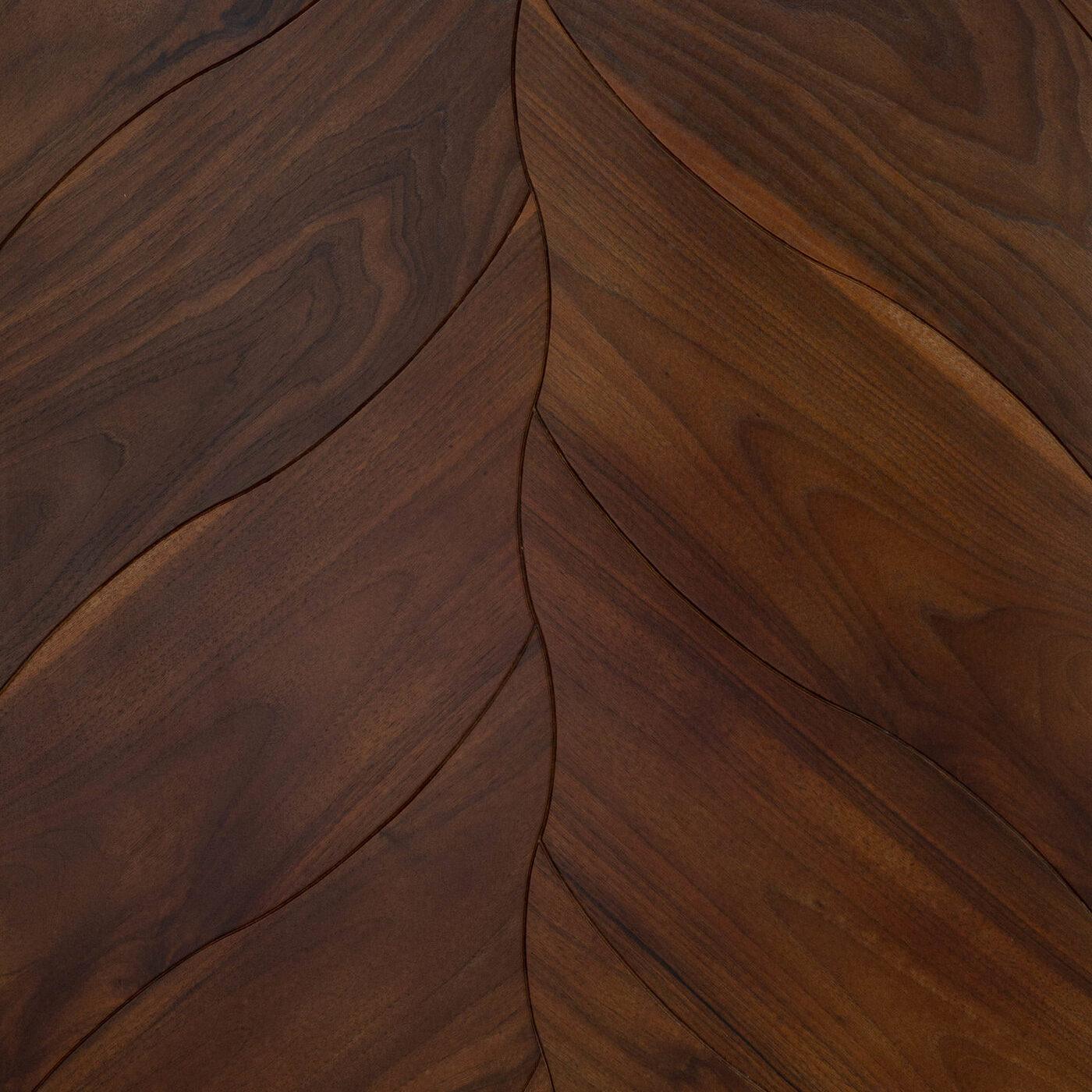 Inzhenerna-Doshka-Arbofari-Jazz-curved-walnut-3